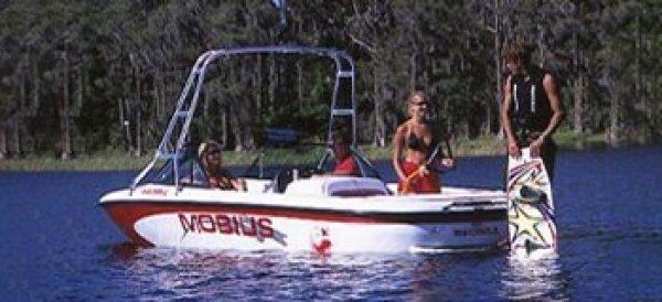 2000 Moomba Mobius