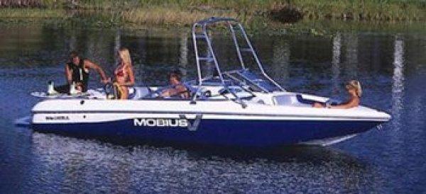 2000 Moomba Mobius V