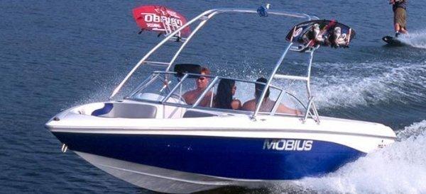 2001 Moomba Mobius